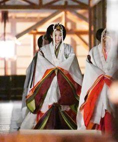 Japanese Princess, Heian Period, Japanese Landscape, Character Outfits, Japanese Kimono, Kimono Fashion, Asian Style, Religion, Royalty
