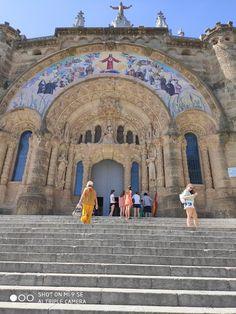 2019_Barcelóna– Google Drive Barcelona, Google Drive, Taj Mahal, Building, Travel, Viajes, Buildings, Barcelona Spain, Destinations
