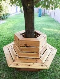 Cómo construir un banco de cedro hexagonal - ¡Que buena idea! Banco de cedro hexagonal alrededor de un árbol (¡o hágalo más fresco para bebi - Outdoor Projects, Garden Projects, Wood Projects, Diy Backyard Projects, Carpentry Projects, House Projects, Diy Bank, Cedar Bench, Tree Bench