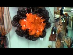 This is a great tutorial for using deco mesh on wreaths, garlands, tables, doorways, etc.  Goulish fall and halloween ideas!