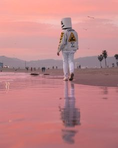 Imagine being at the beach and seeing Marshmello there . Flash Wallpaper, 4k Wallpaper For Mobile, Music Wallpaper, Marshmallow Edm, Marshmallow Pictures, Dj Alan Walker, Dj Marshmello, Marshmello Wallpapers, Stylish Boys