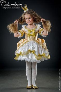 Купить или заказать Костюм принцессы в интернет-магазине на Ярмарке Мастеров. Карнавальный костюм для девочки Принцесса Комплектация: платье, корона чешки продаются отдельно 134-146 +300…
