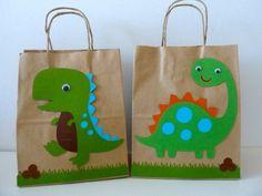 DINOSAURS goodie bag /Jurassic park / wild by creationsbychoco Dinosaur Party Favors, Dinosaur Crafts, Dinosaur Birthday Party, 1st Birthday Parties, Boy Birthday, Goody Bags, Favor Bags, Party Bags, First Birthdays