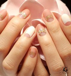 Lady french in petal beige nail
