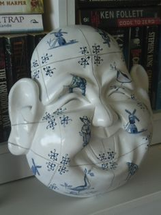 Laughing Buddha Delfs Blauw finished