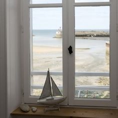 Beach Cottage Style Archives - Cute Home Designs Coastal Cottage, Coastal Homes, Coastal Style, Coastal Living, Cottages By The Sea, Beach Cottages, Ventana Windows, Deco Marine, House By The Sea
