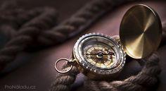 Dvanáct způsobů jak změnit svůj život, i když vám došly síly | ProNáladu.cz Pocket Watch, Bracelet Watch, Gold Rings, Accessories, Jewelry, Health, Fitness, Pocket Watches, Jewlery