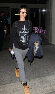 Rihanna outfits | This is a far cry from her sexy airport look at Heathrow a couple ...