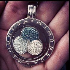 Mi Moneda Svaroski #Mimoneda #Svaroski - @melissarmuller- #webstagram