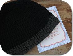 Free crochet pattern - beanie man, English instructions at bottom
