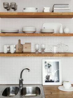 nice kitchen details with open shelves. Love art in the kitchen!