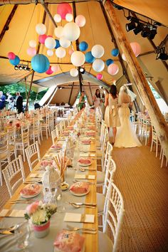 Festival wedding decoration with colourful paper lanterns   Mooie festival wedding in deze tent, met de gekleurde lampionnen maak je het helemaal af!   Bruiloftsborden, huwelijks ideeen, hangende lantaarns, Fete de mariage. Decoration de mariage, Lanternes en papier. Heirat decoration #lampion #festival #festivalwedding #love #styling #decoration #wedding #trouwen #colourful #events #evenement #eventplanner #bohemian #tent #weddinginspiration #weddingplanner