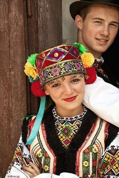 Ukrainians in native dress // http://media-cache-ak1.pinimg.com/originals/17/24/f8/1724f86f96cfc0aeb311eecf58031a34.jpg