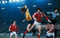 Bento, Humberto Coelho, João Alves e Reinaldo em ação no F. DUSSELDORF - 2 / BENFICA - 2, Taça das Taças de 1981.Na segunda mão, o Benfica venceria por 1-0, apurando-se para a meia-final desse ano.