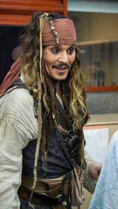 Jack Sparrow Wallpaper, Jack Sparrow Cosplay, Johnny Depp Wallpaper, Disney Secrets, Harry Potter Jokes, My Prince Charming, Mel Gibson, Keira Knightley, Pirates Of The Caribbean