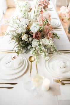 Chic florals at Campbell Point House