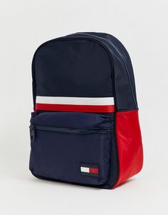 Buy Tommy Hilfiger sports mix corporate stripe nylon back pack in navy at ASOS. Get the latest trends with ASOS now. Tommy Hilfiger Outfit, Tommy Hilfiger Bags, Mochila Tommy, Sports Mix, Simple Casual Outfits, Asos Men, Nike Outfits, Fashion Online, Gucci