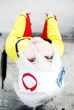 Awesome Soul Eater cosplay best I've ever seen of Soul. Everyone always messes up his hair but this is perfect <3