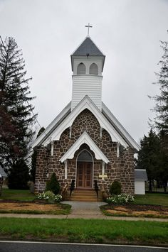 Church In The Wildwood.Quaint Country Church ~ Tunersville, New Jersey Abandoned Churches, Old Churches, Abandoned Cities, Abandoned Mansions, Architecture Religieuse, Old Country Churches, Church Pictures, Take Me To Church, Cathedral Church