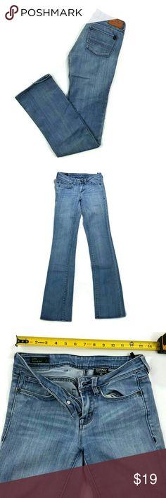 Buffalo David Bitton womens jeans Great condition. Size 25. 80% cotton, 20% polyester. City regular rise. Straight leg. Stretchable fabric. Buffalo David Bitton Jeans Straight Leg