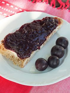 With PB&J or over fresh made biscuits, I love this recipe. Chia Seeds, Blueberry, Biscuits, French Toast, Healthy Recipes, Fresh, Breakfast, Food, Crack Crackers