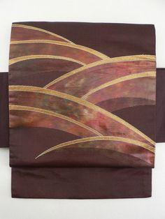 Turf Curve Pattern Nagoya Obi / バーガンディ箔地 芝草風曲線柄 お太鼓柄名古屋帯  【リサイクル着物・アンティーク着物・帯の専門店 あい山本屋】#Kimono #Japan