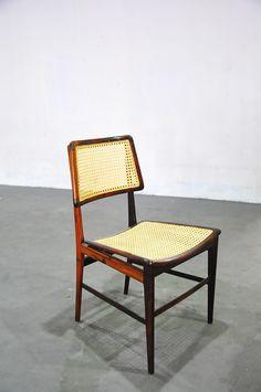 Cadeira curva em jacarandá e palhinha indiana