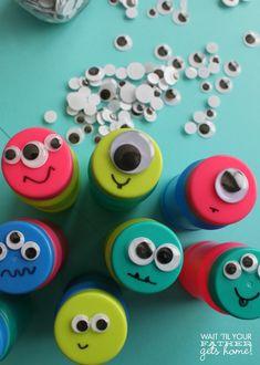 Monster Eye Bubbles, perfect birthday party favor via waittilyourfathergetshome.com