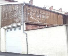 Enseignes Epernay, décoration Epernay, artisans Epernay , Jean Leroy Epernay. Epernay, murs peints Epernay, Epernay, Artisans, Decoration, Garage Doors, Outdoor Decor, Photos, Home Decor, Painted Walls, Hunting