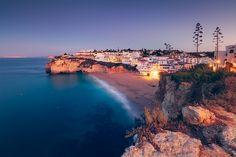 © Dirk Wiemer - www.dirkwiemer.de - Goldene Kalkklippen (Praia do Carvoeiro) - Algarve, Atlantik, Bucht, Carvoeiro, Dämmerung, Küste, Steilküste, Portugal