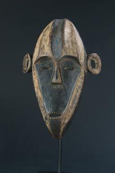 Boa Pongdudu Mask, DR Congo
