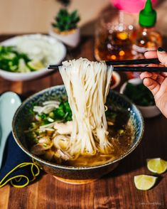 If you are new to the Instant Pot world these recipes are a must-have for cold winter days. Asian Recipes, Healthy Recipes, Ethnic Recipes, Vietnamese Recipes, Instant Pot Dinner Recipes, Instant Pot Pho Recipe, Pot Recipe, Pho Recipe Easy, Chicken Pho