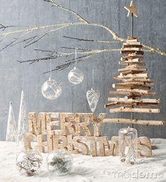 Výborným nápadom je stromček Farmhouse Christmas Decor, Outdoor Christmas Decorations, Rustic Christmas, Christmas Themes, Christmas Crafts, Cosy Christmas, White Christmas, Merry Christmas, Advent