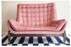 It's fair to say that I'm in love with this vintage dusty pink love seat on Chairish. Click through to check out all my faves. Having a velvet moment.  #HOMEgirls