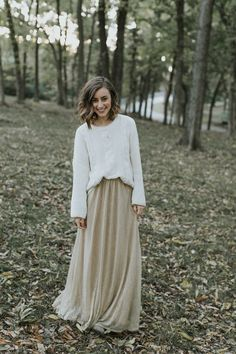 Holiday Family Photo Outfit Ideas - Life on Shady Lane FALL and HOLIDAY family photo outfit ideas, neutral outfits for outdoor family photos Neutral Family Photos, Casual Family Photos, Outdoor Family Photos, Family Pictures, Holiday Family Photos, Fall Photos, Christmas Pictures, Family Christmas Outfits, Fall Family Photo Outfits
