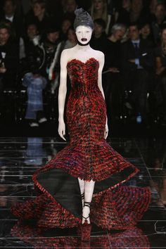 Alexander McQueen's Brilliance Lives On // Paris Fashion Week Fall 2009