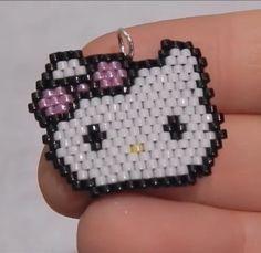 Motif hello Kitty en brick stitch