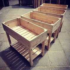Best Plans For Pallet Storage Boxes And Built Containers Sensod Create. Easy to build pallet containers The post Best Plans For Pallet Storage Boxes And Built Containers Sensod Create. appeared first on Pallet Ideas. Pallet Planter Box, Pallet Boxes, Pallet Storage, Storage Boxes, Pallet Patio, Raised Planter Boxes, Diy Patio, Pallet Couch Outdoor, Wood Planters