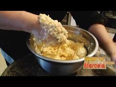 Sarmale, friptura, cozonac, Gatind cu Chef Marcela 15 Dec - YouTube Romanian Recipes, Romanian Food, Food Videos, Oatmeal, Foods, Make It Yourself, Facebook, Breakfast, Sweet