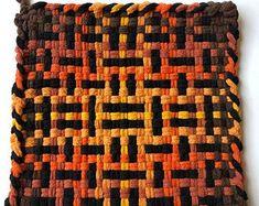 Potholder Loom, Potholder Patterns, Loom Patterns, Potholders, Loom Weaving, Hot Pads, Loom Knitting, So Little Time, Fun Crafts