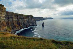 #cliffsofmoher #klippenvonmoher #cliffs #landschaft #landscape #leinwand #BabettsBildergalerie #ireland #irland Cliffs Of Moher, Land Scape, Illustration, Water, Outdoor, Pictures, Printing On Wood, Artist Canvas, Digital Art