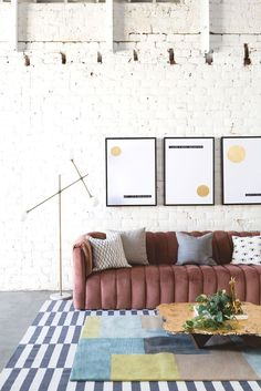 An art-inspired living room makeover that feels modern, stylish, and fun thanks to @artdotcom! #ad