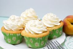 Peaches and Cream Cupcakes - Erren's Kitchen
