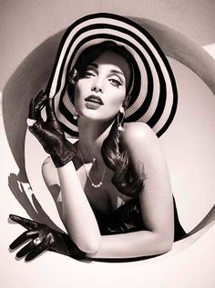 #Vintage #style very #chic and #beautiful very #black and #retro lovely and #sexy #women