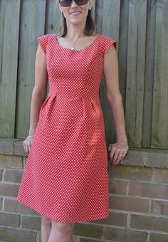 Sew Tessuti Blog - Sewing Tips & Tutorials - New Fabrics, Pattern Reviews: Pattern Review - Simplicity 2282 (and Happy Blog Birthday to us!)