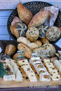 ¿La mejor forma de organizar un #catering para un #bautizo ? Atención a la idea de So Delicious: una #saladsbar súper apetecible con barra de #quesos y #pan buenísimos incluida! http://sodelicious.blogs.charhadas.com/2014/01/15/salads-bar-2/