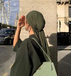 Modern Hijab Fashion, Muslim Fashion, Colorful Fashion, Modest Fashion, Love Fashion, Niqab, Mode Turban, Olive Green Dresses, Cute Poses