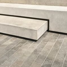 apaving in andorra limestone and nice stair detail in white concrete acre studio for iconick homes melbourne Garden Paving, Garden Steps, Interior Stairs, Interior Architecture, Interior Design, Stair Detail, Concrete Stairs, Stair Handrail, Stair Steps