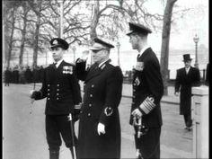 Tito Arrives Aka Tito On State Visit To London (1953) Obisk Tita Londonu in njegov govor leta 1953. Na ceremoniji se celo vidi aktiviranje magnezije bombe, ki pa je bila brez resnih posledic.