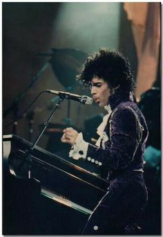 Another cool rare Purple Rain Tour photo!